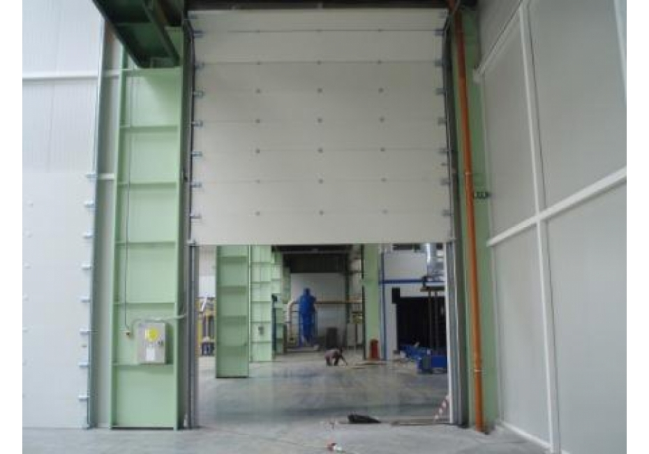 Sekcijska požarna vrata