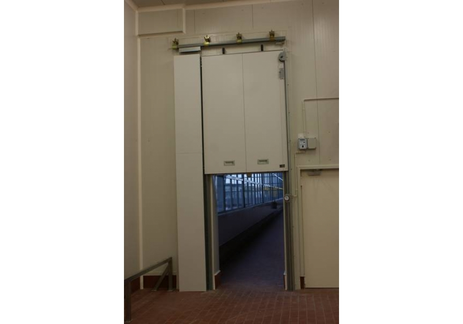 Vertikalna požarna vrata